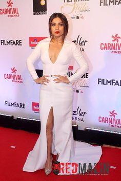 Also Read: Bhumi Pednekar To Host Star Screen Awards Bhumi Pednekar Hot & Sexy Pictures at Filmfare Glamour And Style Awards 2017 Awards 2017, Celebs, Celebrities, Sexy Legs, Peplum Dress, Bollywood, Glamour, Gowns, Actresses