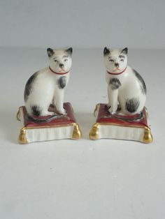 Pair Antique English Staffordshire Porcelain GOLD ANCHOR Cat on Pillow Figurine   eBay