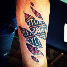 Old school vintage styled biker tattoos Hd Tattoos, Arm Sleeve Tattoos, Neue Tattoos, Skull Tattoos, Forearm Tattoos, Tattoos For Guys, Cool Tattoos, Tatoos, Harley Davidson Logo