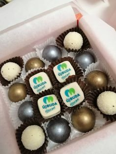 Újbuda önkormányzata számára készített logós bonbon válogatás. Cake, Desserts, Food, Candy, Pie, Postres, Mudpie, Deserts, Cakes
