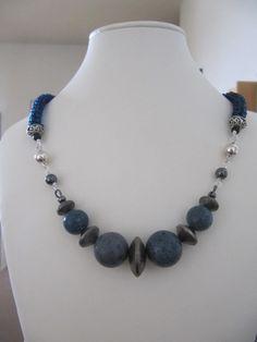 Google Image Result for http://chickboss.com/blog/wp-content/uploads/2011/02/blue_coral_handmade_jewelry.jpg