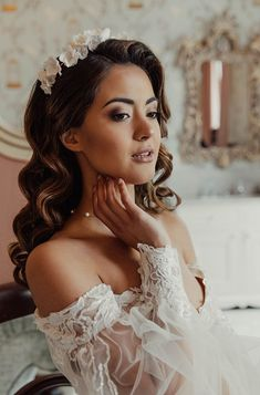 Wedding Inspiration: An Intimate, Minimalist Love Story Inspired by The Lane Creative Wedding Inspiration, Bridal Shoot, Bridal Hairstyles, White Bridal, Industrial Wedding, Brides And Bridesmaids, Love Story, Bridal Dresses, Real Weddings