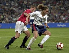 Kristine Lilly vs, Norway, 2000 Olympics gold medal match, Sydney, Sept. 28, 2000. (Doug Pensinger, Getty Images)