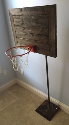 *NEW* The Faux Pallet Backboard And Base Are Stained And Finished To Give  The