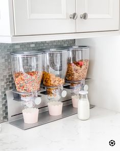 Cereal dispenser - Lilly is Love Kitchen Pantry Design, Kitchen Organization Pantry, Home Organisation, Diy Kitchen Decor, Kitchen Storage, Cool Kitchen Gadgets, Cool Kitchens, Küchen Design, Design Case