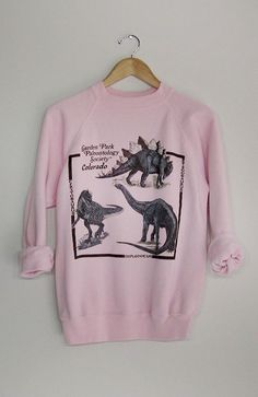 Women's Outfits : ~ Vintage Dinosaur Sweatshirt ~ Trend Fashion, Fashion Moda, Look Fashion, Mode Pop, Style Japonais, Mein Style, Looks Cool, Mode Inspiration, Sweater Weather
