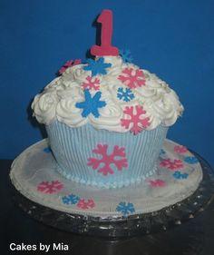 #CakesbyMia #Bizcocho #Miacakes4u #Dominicancake #Birthday #CUMPLEAÑO #cake  #cupcake #cakeart #cakeidea #cakedesign #design  #event #celebration #cakemaker #cakes #sugar #sugarcraft #giantcupcake