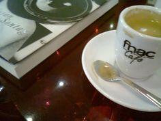 Pausa para um café literário!
