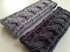FREE Pattern by With Love by Jenni: Crochet Cable Ear Warmer Pattern ✿⊱╮Teresa Restegui http://www.pinterest.com/teretegui/✿⊱╮