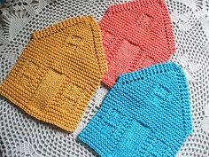 Ravelry: Nineteen Hundred House Dishcloth pattern by Amanda Ochocki Use Berroco Weekend & needles Knitted Washcloth Patterns, Knitted Washcloths, Dishcloth Knitting Patterns, Crochet Dishcloths, Knit Or Crochet, Knitting Yarn, Knit Patterns, Baby Knitting, Knitting Projects