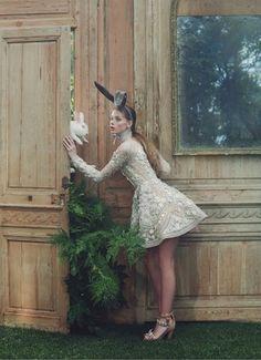 Lauren de Graaf's adventures in Wonderland wearing Giambattista Valli Haute Couture for Vogue China April 2016.