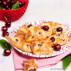 Germteig Rezepte | Kochen und Küche Pineapple, Ethnic Recipes, Desserts, Food, Pies, Fruit Cakes, Goodies, Play Dough, Health And Fitness