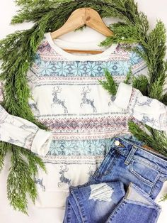 Festive and cozy!  Super soft Chaser Brand Christmas sweatshirt.  Winter wardrobe. Snowflake sweater. Casual comfy style. therollinj.com