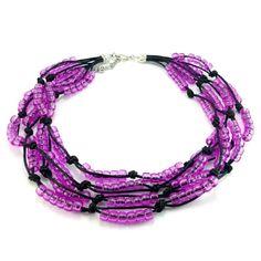 Ręcznie plecione korale na czarnym sznurku bawełnianym zkoralików akrylowych w kolorze fioletowo różowym. Zakończenie z karabińczykiemi oczkami do regulacji. Beaded Necklace, Metal, Bracelets, Jewelry, Fashion, Beaded Collar, Moda, Jewlery, Pearl Necklace