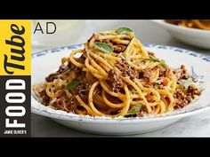 A classic Spaghetti Bolognese recipe by Gennaro Contaldo, made with beef, pork, red wine and fresh herbs. Bolognese Recipe Easy, Best Spaghetti Bolognese Recipe, Traditional Spaghetti Bolognese, Pasta Recipes, Beef Recipes, Uk Recipes, Dinner Recipes, Gennaro Contaldo Recipes, Sauces