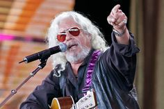 Folk music icon Arlo Guthrie is coming to Columbia