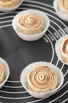 Lakritsipulla Cupcake Cakes, Cupcakes, Dessert Recipes, Desserts, Cake Pops, Sweet Tooth, Rolls, Sweets, Food