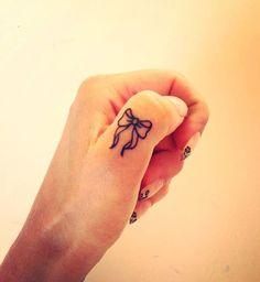 114-tatouages-simples-et-elegants-6 113 tatouages simples et élégants