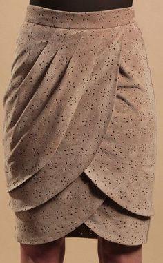 Saia pétala - com pregas e camadas Petal Skirt-Young Fawn -suede