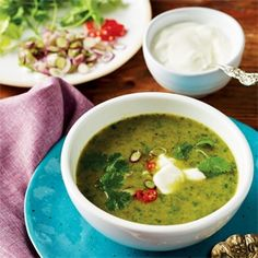Curried spinach, fennel and coriander soup with yoghurt