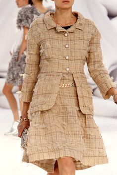 Chanel   Spring 2012 Ready-to-Wear Collection   Morgane Warnier