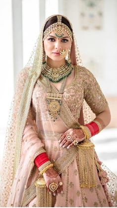 Ideas for wedding indian dress combinations pakistani bridal 54 Indian Wedding Wear, Indian Bridal Outfits, Indian Bridal Fashion, Indian Dresses, Desi Wedding Dresses, Bridal Dresses, Wedding Lehanga, Dress Wedding, Wedding Bride