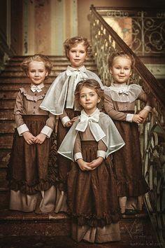 Vintage children photography by Russian photographer Karina Kiel Vintage Kids Photography, Vintage Outfits, Vintage Fashion, Foto Art, Kind Mode, Vintage Children, Baby Dress, Cute Kids, Portrait Photography