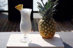Pina Colada: - Witte rum of Kokosrum (1 deel); - Kokosmelk (1 deel); - Vloeibare room (0,5 deel); - Ananassap (1 deel).