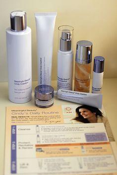 Meaningful Beauty Cindy Crawford Anti-Aging Skincare Kit #YouthHasNoAge