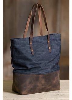 Catalog Search Overland Mills Denim und Leder Tote Bag This image has get 0 … – Hair Accessories Diy 2020 Boho Clutch, Leather Purses, Leather Handbags, Leather Totes, Denim Tote Bags, Duffle Bags, Clutch Bags, Diy Sac, Denim Crafts