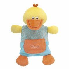 Mantinha Happy Colors Patinho Chicco, manta colorida em formato de patinho, fabricada em velur para ajudar o bebé a relaxar na hora de dormir. Com ruidinhos nalgumas partes para estimulkar as capacidades táteis e auditivas do bebé. Lavável na máquina.