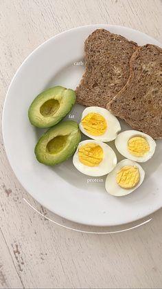 Comida Picnic, Healthy Breakfast Snacks, Good Food, Yummy Food, Food Is Fuel, Food Goals, Aesthetic Food, Food Cravings, Diy Food