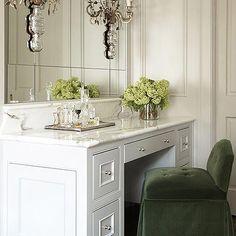 Green Velvet Vanity Chair Bathroom Vanity Chair, Closet Vanity, Bathroom Vanity Designs, Vanity Decor, Bathroom Vanity Lighting, Modern Bathroom Design, Bathroom Furniture, Bathroom Vanities, Vanity Chairs