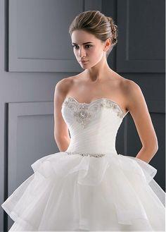 Wonderful Organza Sweetheart Neckline Ball Gown Wedding Dress With Beadings & Rhinestones