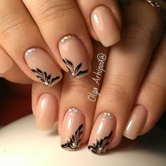 Beautiful nail art designs that are just too cute to resist. It's time to try out something new with your nail art. Sassy Nails, Cute Nails, Pretty Nails, Square Nail Designs, Nail Art Designs, Nail Art Arabesque, Nagellack Design, Strong Nails, Square Nails