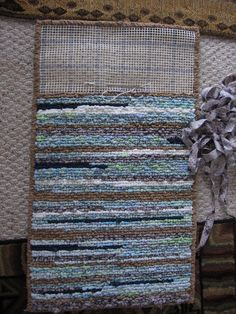 DIY rag woven rug using fabric and jeans