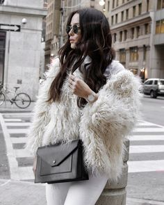 FAUX FUR CRAZE Camelia Roma, Fluffy Coat, Shearling Coat, Fashion Looks, Fashion Tips, Get The Look, Faux Fur, How To Look Better, Style Inspiration