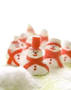 DIY Sugary Edible or Decorative Snowmen. The scarves and hats are made with fruit roll ups.  truebluemeandyou: by jewel