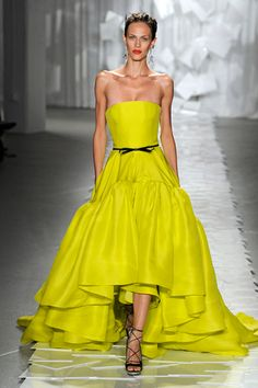 Yes!! Fantastic train silhouette and hello neon yellow I LOVE it. Thank you Jason Wu. :)