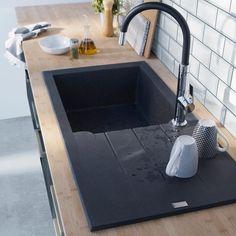 Granite composite sink w/ black tap Wood Worktop Kitchen, Kitchen Splashback Tiles, Concrete Kitchen, Kitchen Taps, Black Bathroom Light, Black Bathroom Floor, Composite Kitchen Sinks, Composite Sinks, Bathroom Sink Design