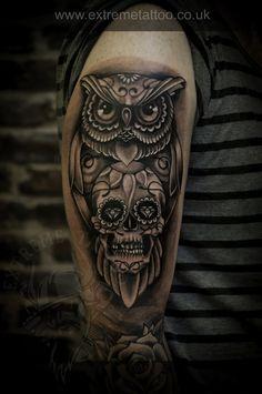 Old school owl,Skull tattoo, Sugar skull tattoo, Extreme tattoo&piercing. Trendy Tattoos, Tattoos For Guys, Cool Tattoos, Owl Skull Tattoos, Tribal Tattoos, Tattoo Owl, Line Art Tattoos, Body Art Tattoos, Hand Tattoos