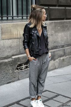 30 Best Summer Outfits Stylish and Comfy - 30 Chic Summer Outfit Ideas - Street Style Look. The Best of clothes in Mode Outfits, Sport Outfits, Fall Outfits, Casual Outfits, Fashion Outfits, Womens Fashion, Nike Fashion, Sport Fashion, Fashion Trends