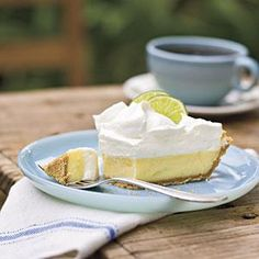 Recipe: Heavenly Key Lime Pie A little bit of sugar never did anyone harm—and this Southern dessert favorite hits the spot. Heavenly Key Lime Pie is wonderful with fresh or bottled Key lime juice. If you don't have Key limes, trying swapping out the Key l Creamy Key Lime Pie Recipe, Fresh Recipe, Pie Dessert, Dessert Recipes, Keylime Pie Recipe, Easy Pie Recipes, Lime Recipes, Top Recipes, Cooking Recipes