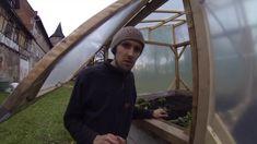 Kombination aus Hochbeet und Mini-Gewächshaus mit Terra Preta