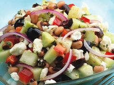 Cucumber & Black-Eyed Pea Salad - An easy salad to serve with grilled chicken or steak for supper or on a bed of greens for a satisfying lunch. Substitute white beans or chickpeas for the black-eyed peas if you prefer. Pea Salad Recipes, Cucumber Recipes, Lunch Recipes, Healthy Recipes, Cucumber Salad, Pea Recipes, Vegetable Recipes, Tofu Salad, Vegetarian Salad