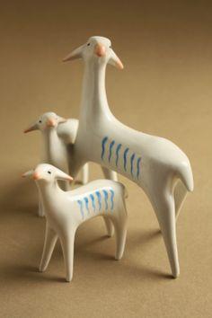 Retro porcelain: little goats - Drasche porcelán Porcelain Ceramics, Ceramic Art, Collectible Figurines, Retro Art, Modernism, Nice Things, Pottery Art, Hungary, All Art