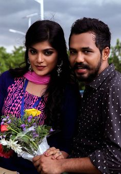 Meesaya Murukku Tamil Movie Starring Adhi, Aathmika, Vivek, Vijayalakshmi in lead roles. Movie Pic, Movie Photo, Actor Picture, Actor Photo, Hip Hop Images, Hd Images, Movie Love Quotes, Bff Quotes, Love Couple Photo
