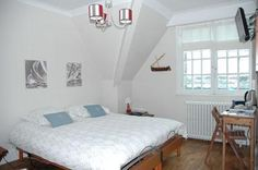 Villa Vent D'Bout is situated just 150 metres from the sandy beach of Calais Bleriot at the start of a coastal road that winds from Calais to Boulogne Sur...