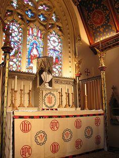 Lenten Array at St Birinus | St Birinus' Catholic church in Dorchester-on-Thames