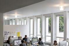 serien.lighting @ hauserlacour, Frankfurt am Main, Classics in LED – ANNEX Ceiling,  reflector: clear opal  http://serien.com/produkte/annex/ceiling/ Foto: Farideh Fotografie